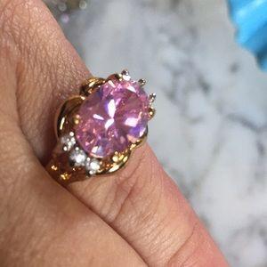 Beautiful Cz pink crystal ring sz 6